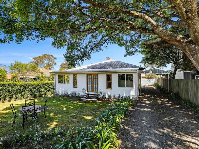 15 Mary Street, Mount Lofty, Qld 4350