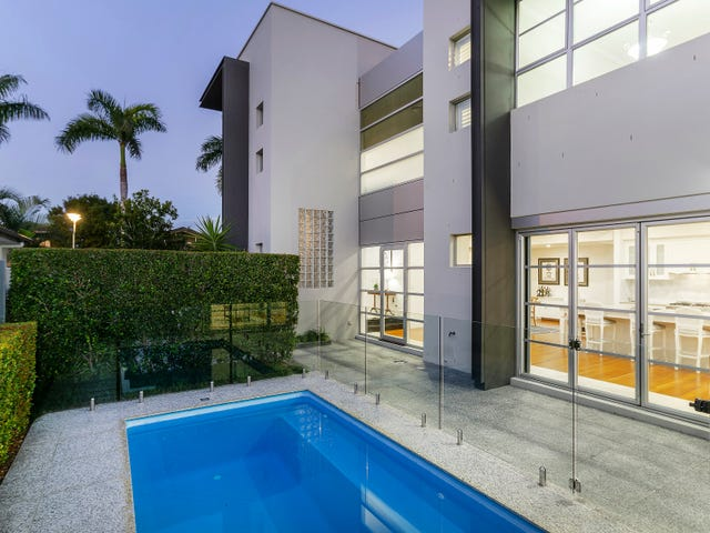 6003 The Lakes Dr, Hope Island, Qld 4212