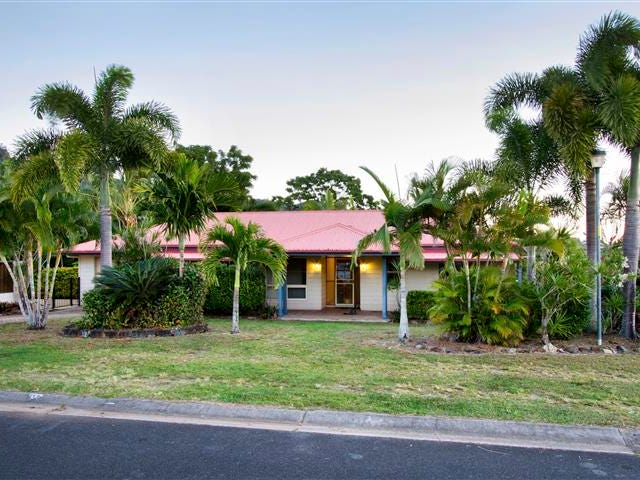 10 Panoramic Court, Cannonvale, Qld 4802