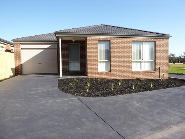 10/9 Shakespeare Court, Drouin, Vic 3818