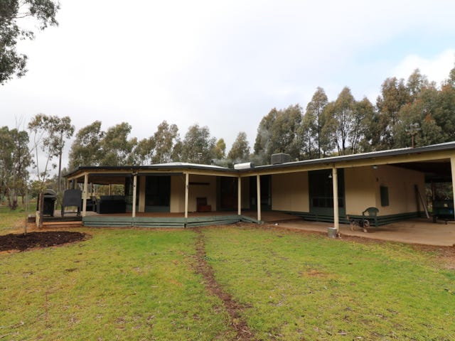 335 Bromfields Rd, Northwood, Vic 3660