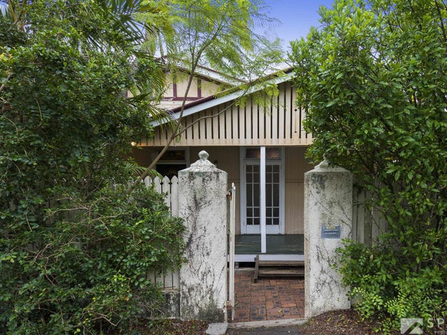 9 Arthur Terrace, Red Hill, Qld 4059