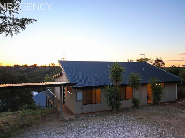 16 Tomarah Crescent, Devonport, Tas 7310