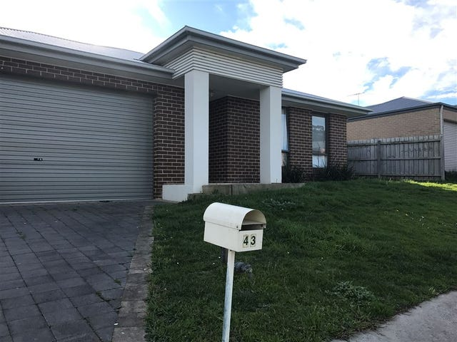 43 Springwater Drive, Drouin, Vic 3818