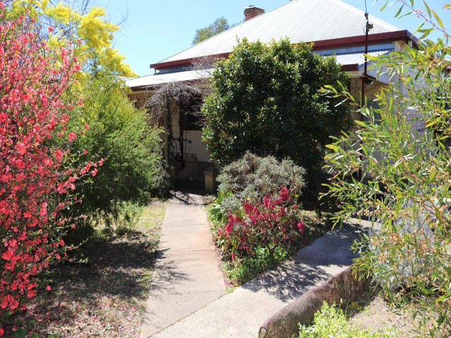 16-18 Willawong Street, Young, NSW 2594