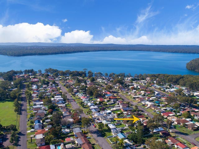 40 Campbell Parade, Mannering Park, NSW 2259