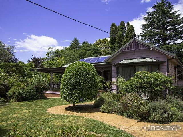 70 Backhouse Street, Wentworth Falls, NSW 2782