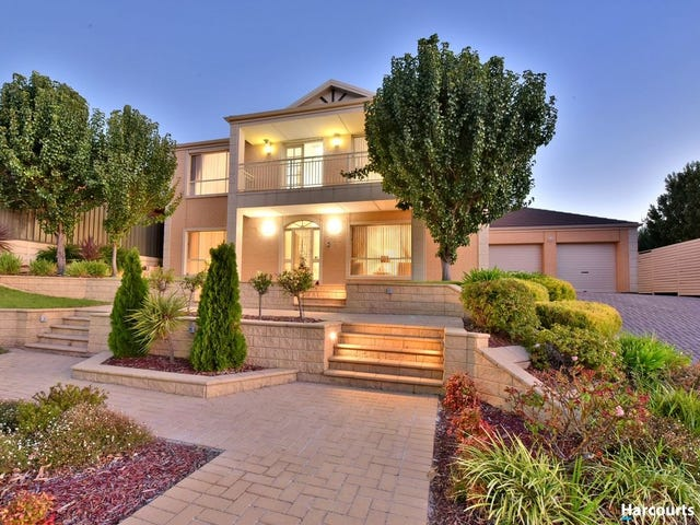 10 Plantation Avenue, Flagstaff Hill, SA 5159