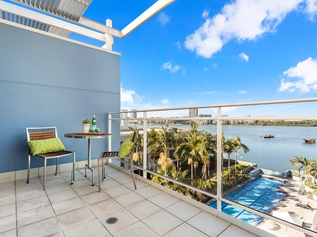 679/4 The Crescent, Wentworth Point, NSW 2127