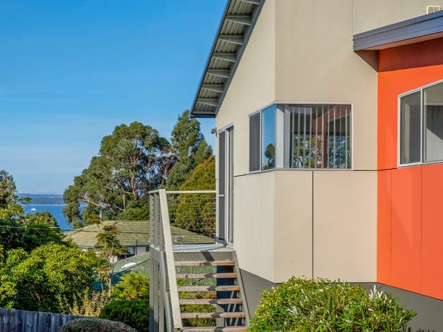Unit 2/3 Hazell Street, Blackmans Bay, Tas 7052