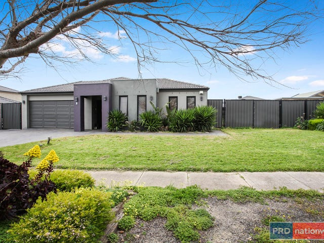5 Regent Place, Melton West, Vic 3337
