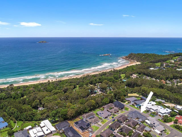 18 San Simeon Circuit, Sapphire Beach, NSW 2450