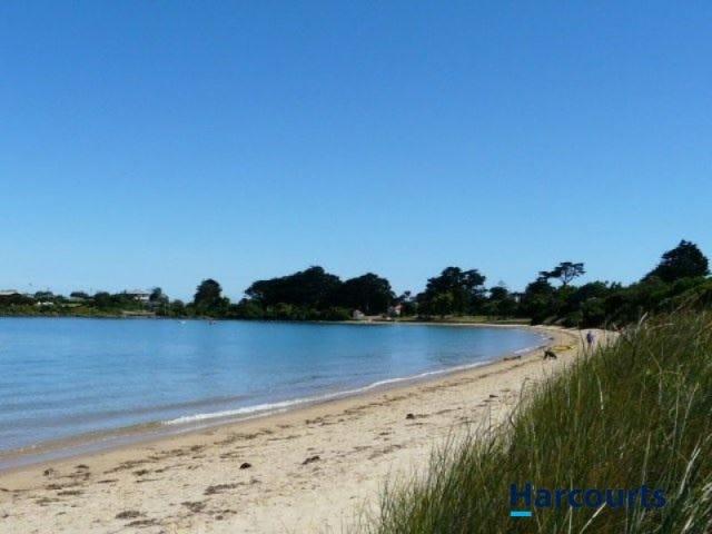 1 Lagoon Beach Road, Low Head, Tas 7253