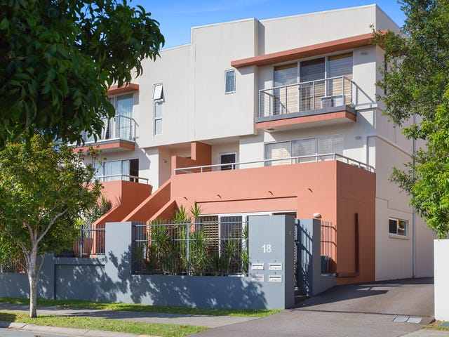 2/18 Tourangeau Crescent, Varsity Lakes, Qld 4227