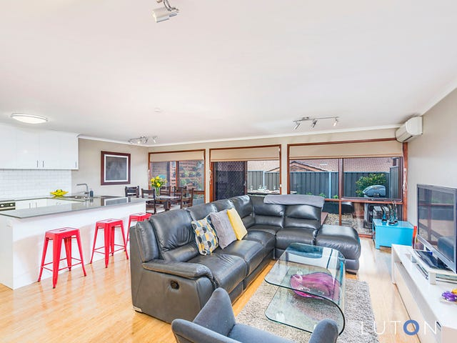 45 Rowe Place, Phillip, ACT 2606