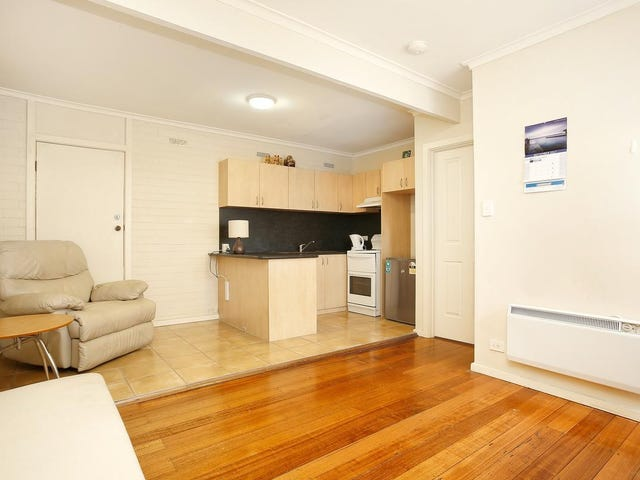 2/26 Hampshire Road, Sunshine, Vic 3020