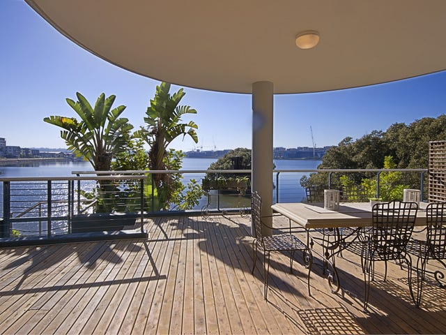 1/27 Bennelong Parkway, Wentworth Point, NSW 2127