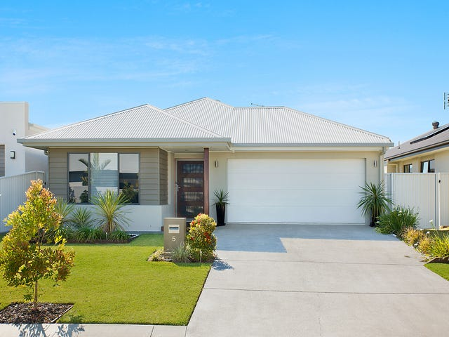 5 Severn Place, Pelican Waters, Qld 4551