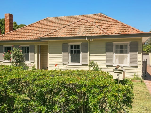 5 Hargraves Crescent, Ainslie, ACT 2602