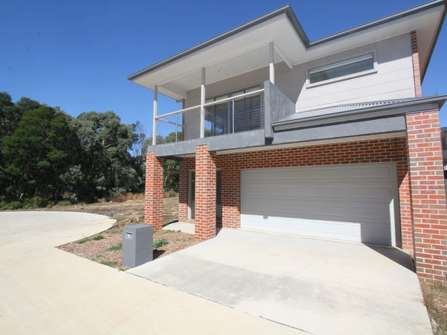 28 Lucia Crescent, Mount Clear, Vic 3350