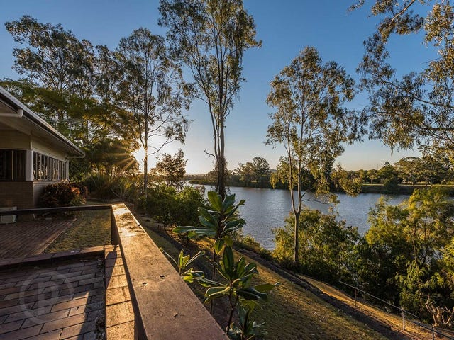 99 King Arthur Terrace, Tennyson, Qld 4105