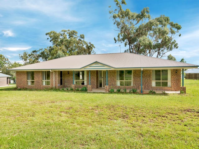98 Peters Road, Meringandan West, Qld 4352