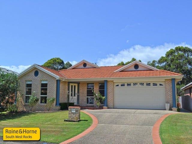 45 Athol Elliott Place, South West Rocks, NSW 2431