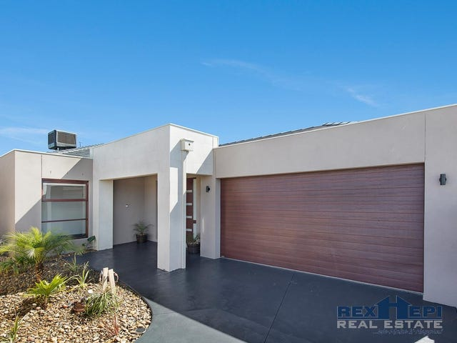 16 Saloon Circuit, Clyde North, Vic 3978