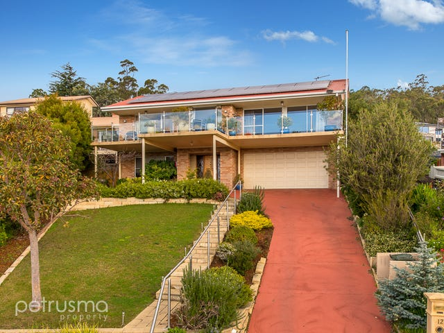 12 Clearwater Court, Blackmans Bay, Tas 7052