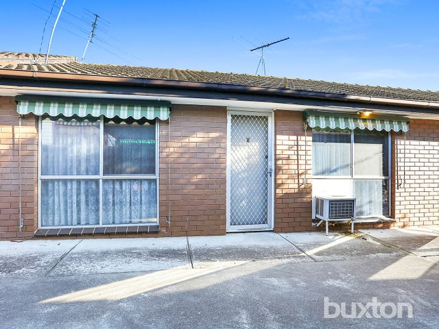 2/10 Oliver Street, Manifold Heights, Vic 3218