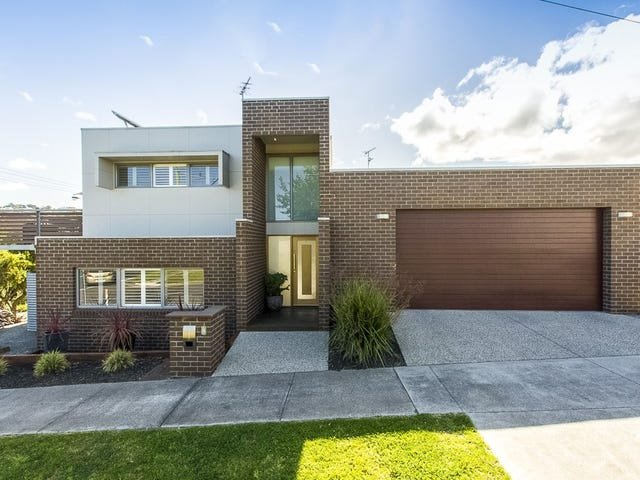 8 Dundee Place, Newtown, Vic 3220