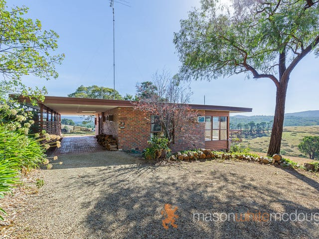 305 Buttermans Track, St Andrews, Vic 3761