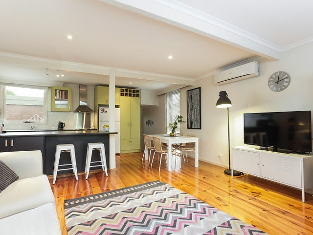8/1 Gracedale Court, Strathmore, Vic 3041