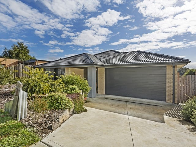 8 Peppermint  Lane, Woodend, Vic 3442