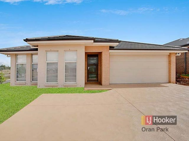 18 Buckingham Loop, Oran Park, NSW 2570
