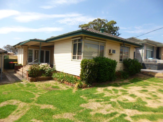 4 Leonard Avenue, Greystanes, NSW 2145