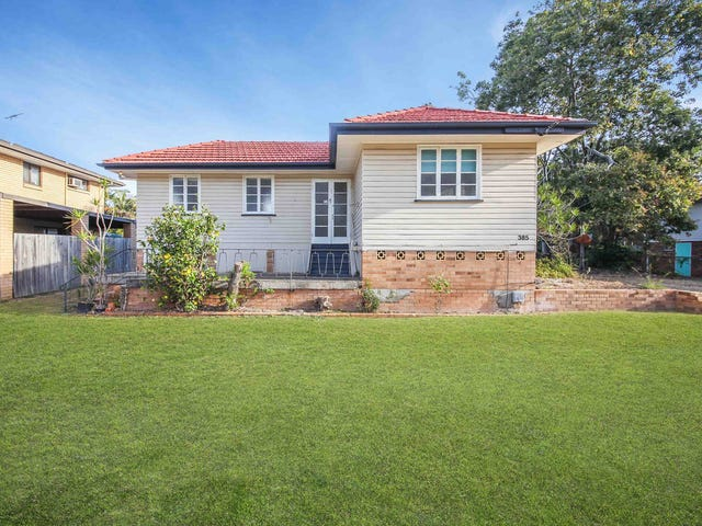 385 Broadwater Road, Mansfield, Qld 4122