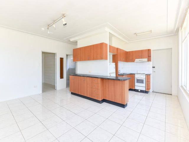 4/220 Terrigal Drive, Terrigal, NSW 2260