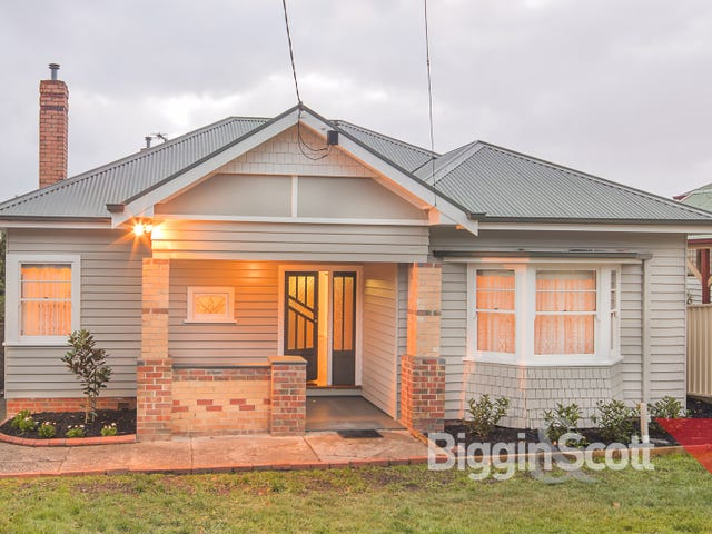 703 Neill Street, Soldiers Hill, Vic 3350