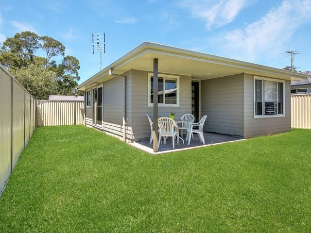 35 & 35A Brennon Road, Gorokan, NSW 2263