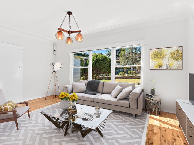 11 Alkera Crescent, West Wollongong, NSW 2500