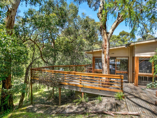 18 Richardson Boulevard, Lorne, Vic 3232