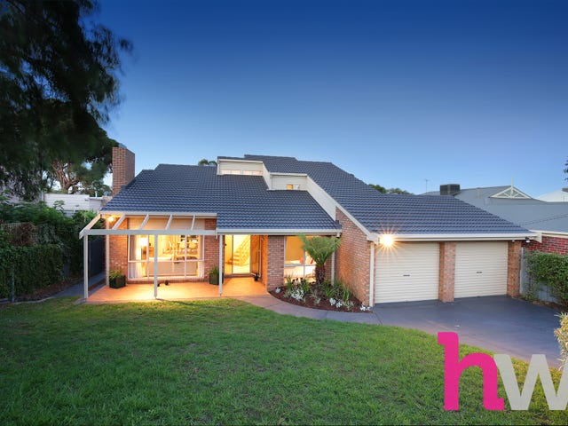 9 St Georges Court, Highton, Vic 3216