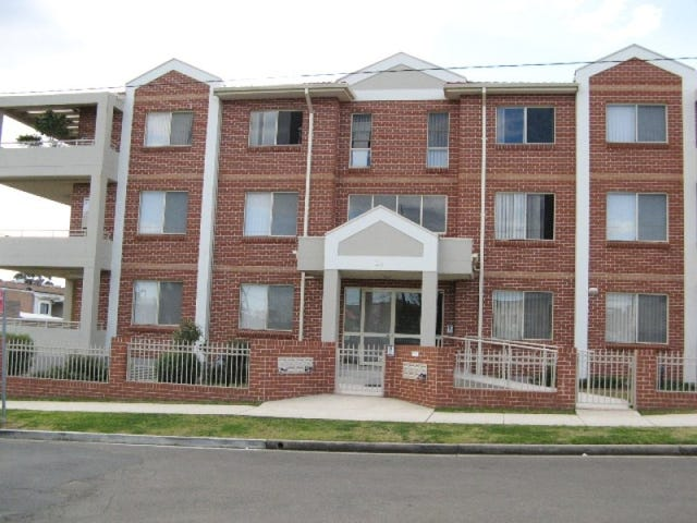 4/2A Morotai Avenue, Riverwood, NSW 2210