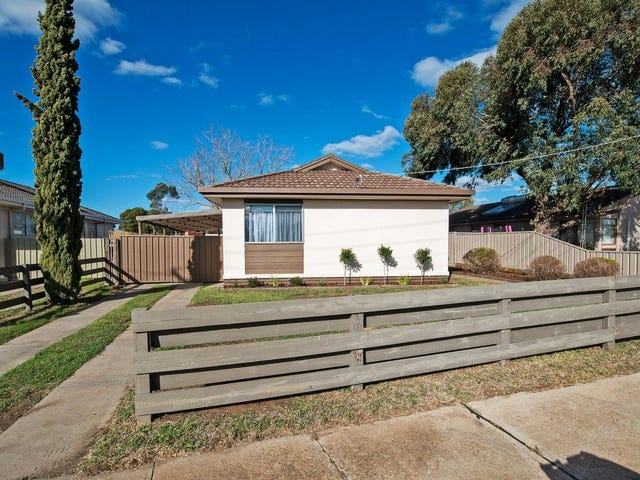 61 Harrison Crescent, Swan Hill, Vic 3585