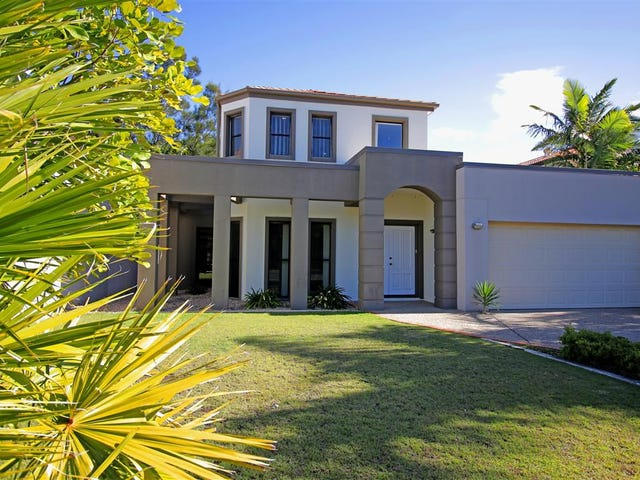 8393 Magnolia Drive East, Hope Island, Qld 4212