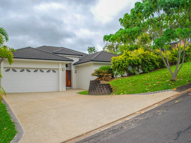 7 Eleanor Close, Mooroobool, Qld 4870
