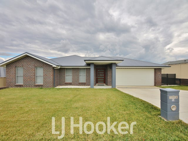 13 Cheviot Drive, Kelso, NSW 2795
