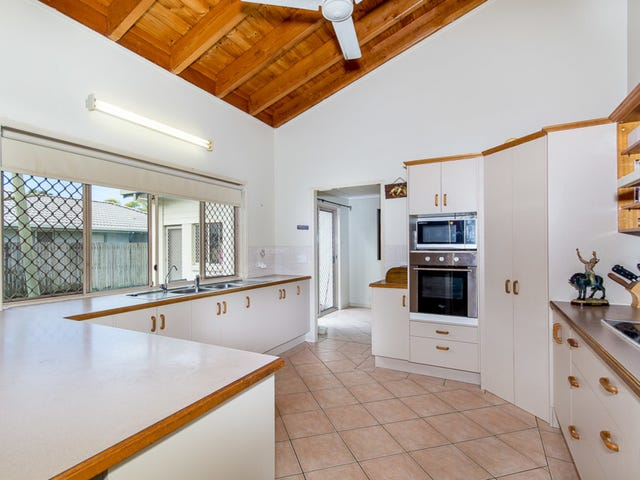 15 Winch Court, Banksia Beach, Qld 4507