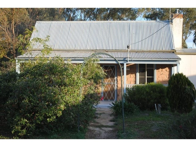 32 Tullaroop Road, Maryborough, Vic 3465